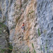 spots d'escalade en Savoie - falaise du Monal - secteur mur Jaune